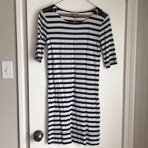 Dresses & Skirts - Juicy Contour Dress